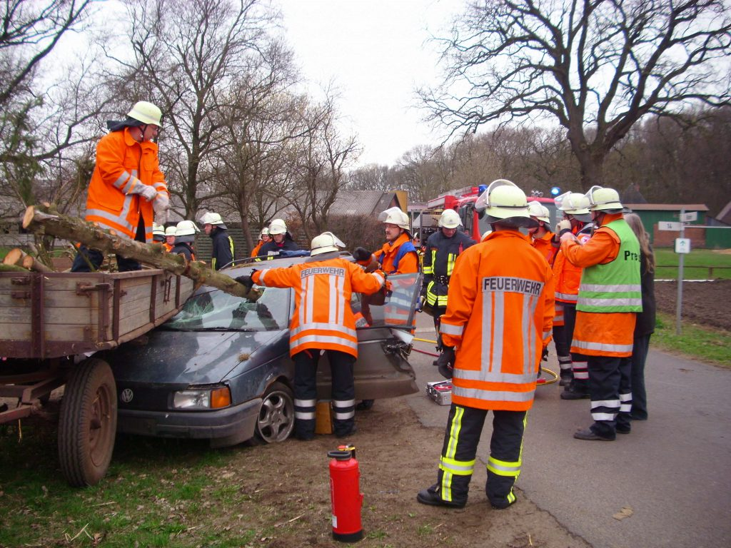 DRK und Feuerwehr proben den Ernstfall