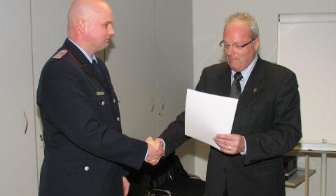 Michel Krahl zum Hauptbrandmeister befördert
